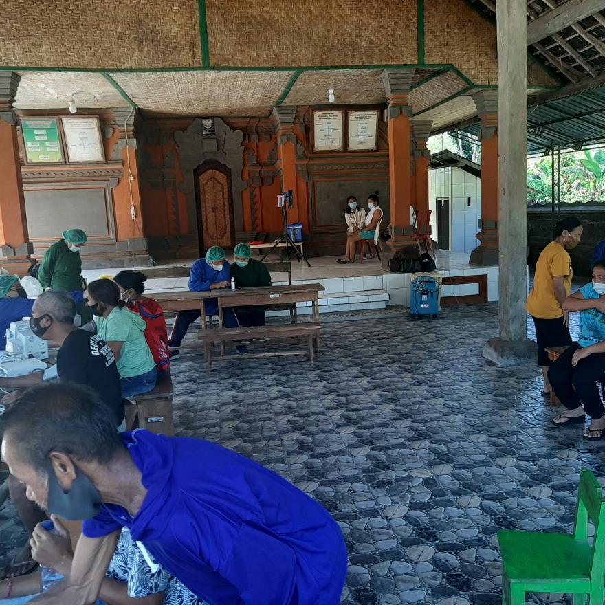 Gertak Vaksinasi Covid-19 Desa Yangapi hari kedua di Banjar Dinas Sideparna