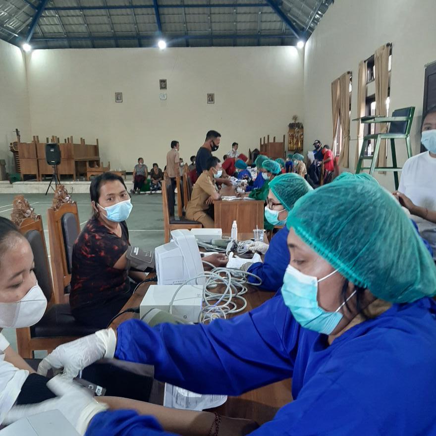 Gertak Vaksinasi Covid-19 Desa Yangapi di Banjar Dinas Metra Kelod, Metra Tengah,Metra Kelod